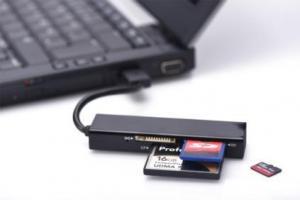 Czytnik kart 4-portowy USB 2.0 HighSpeed (Compact Flash, SD, Micro SD/SDHC, Memory Stick), czarny